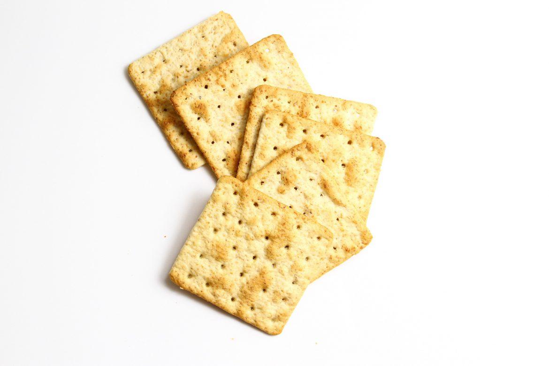 Jak zrobić domowe krakersy?